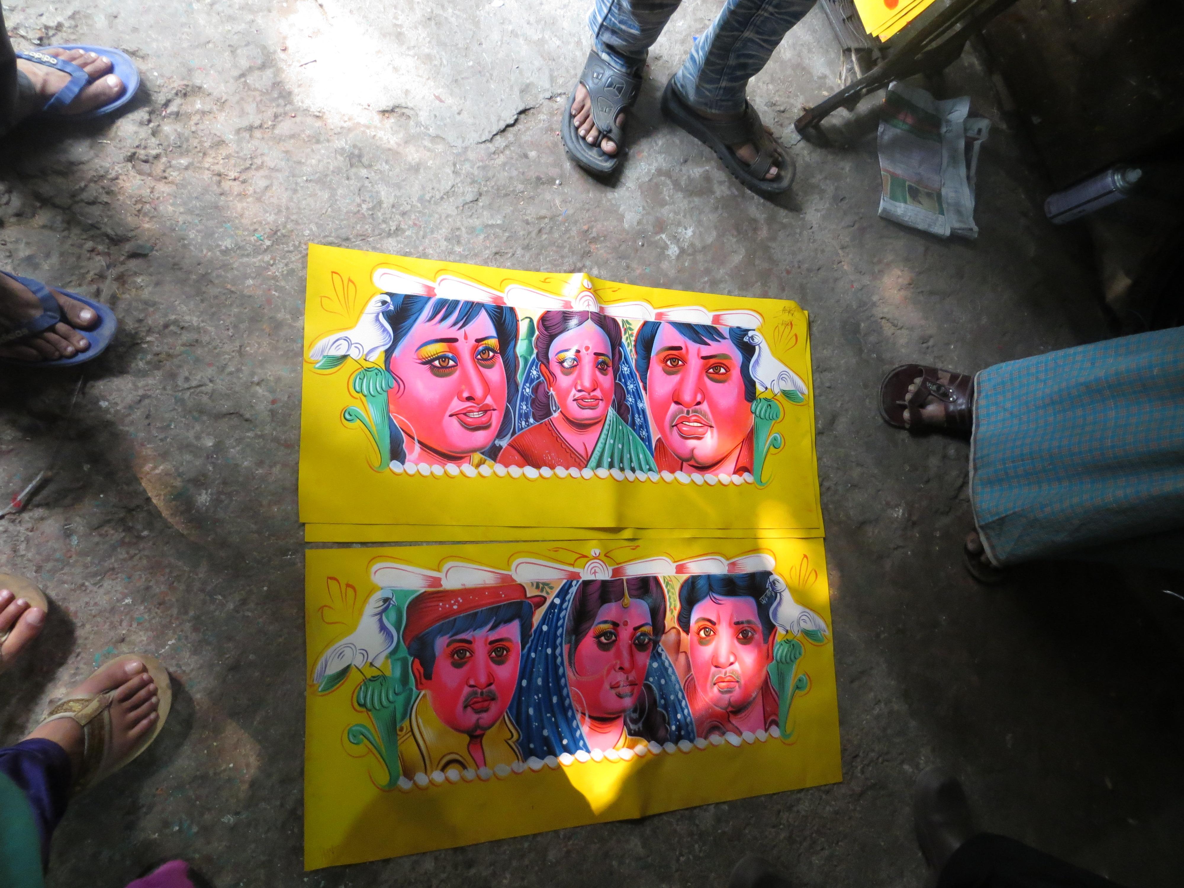 looking_at_rickshaw_art_dhaka