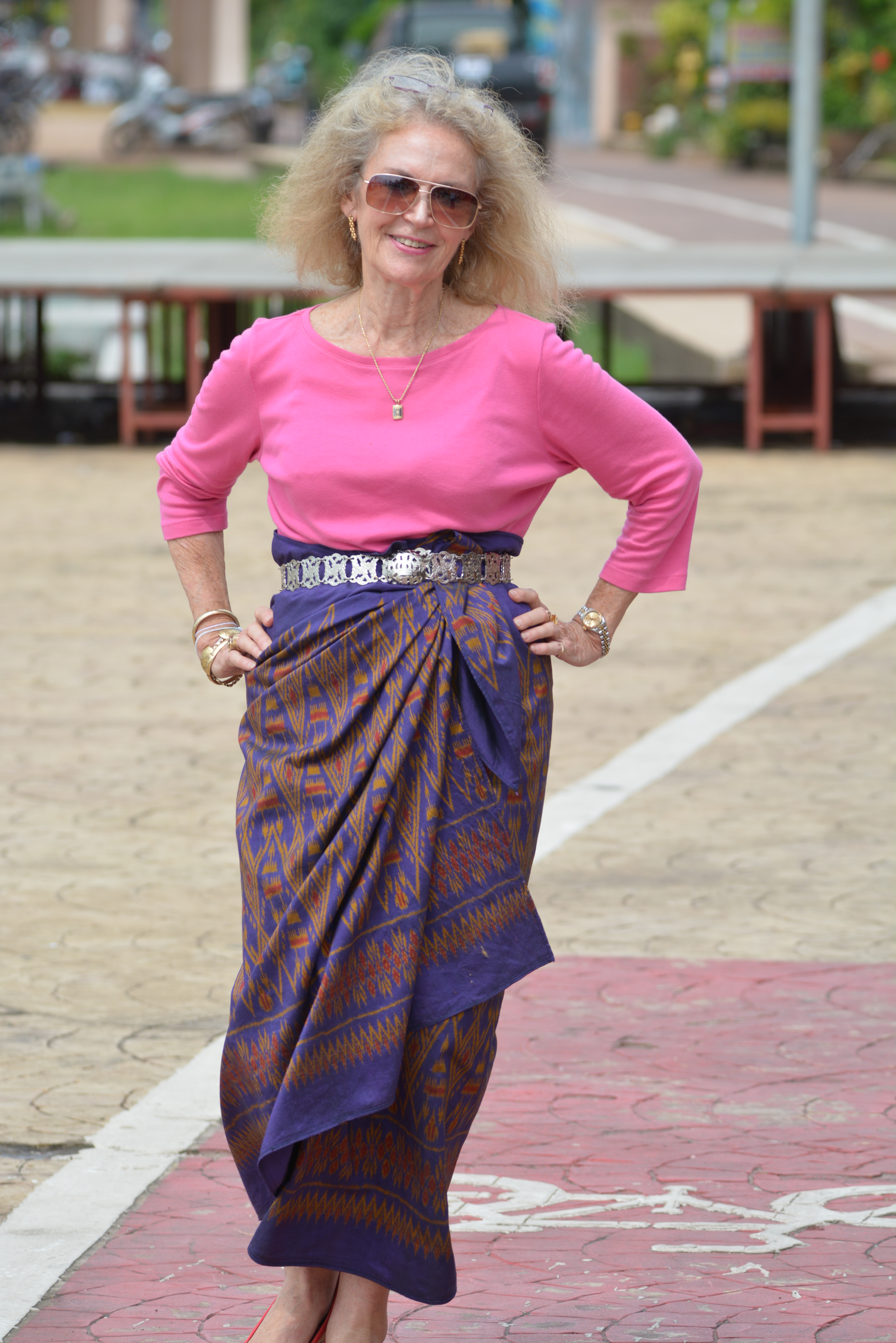 how to wear a sarong style 2.JPG