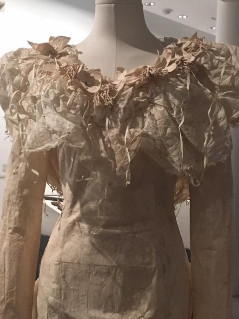 fijian-barkcloth-weddingd-ress-front
