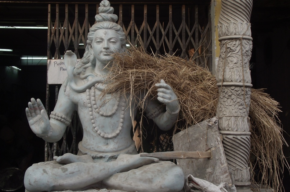 Durga Puja preparations: visiting Kumartuli, the Idol-Making district in Kolkata, India
