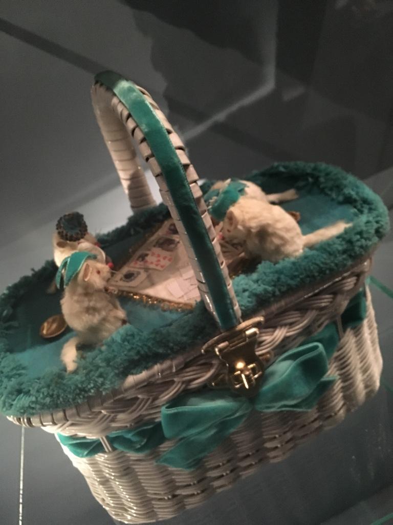 mouse-handbag
