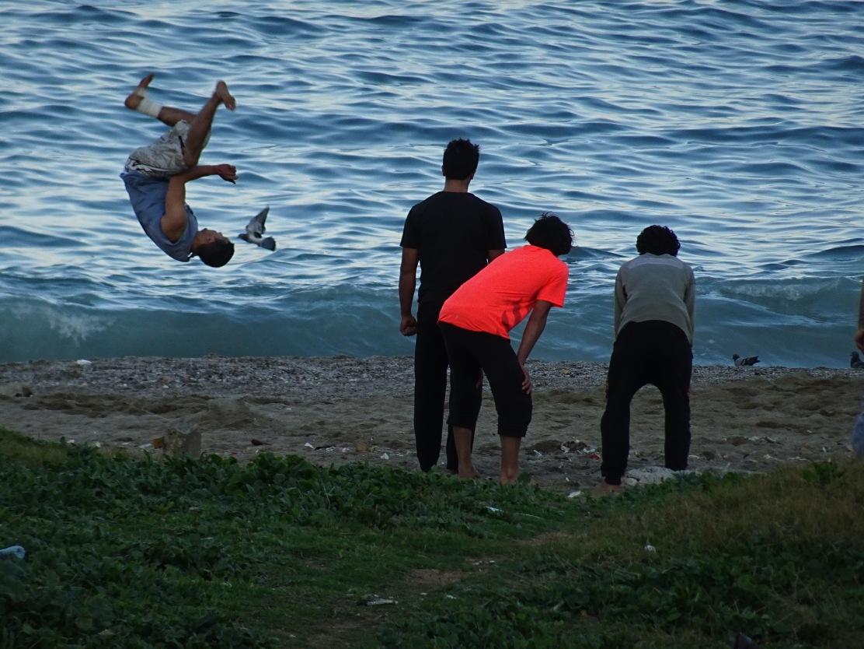 children_playing_algiers_algeria.jpg