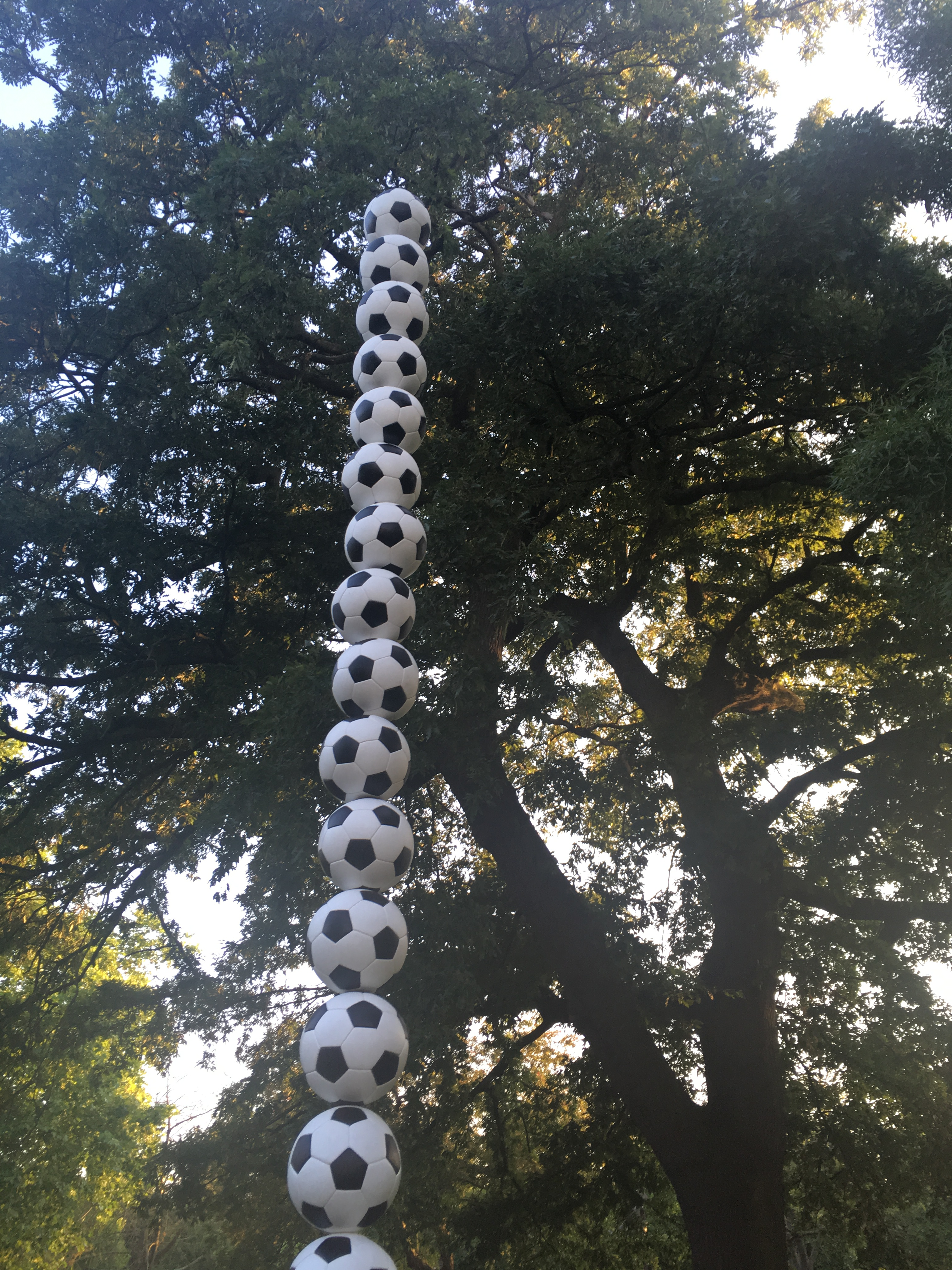 frieze_sculpture_footballs.JPG