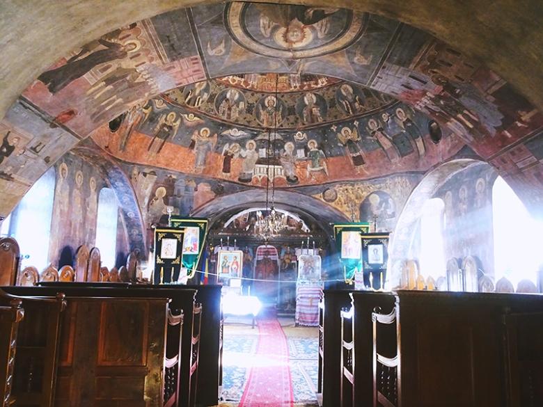 sibiel church inside